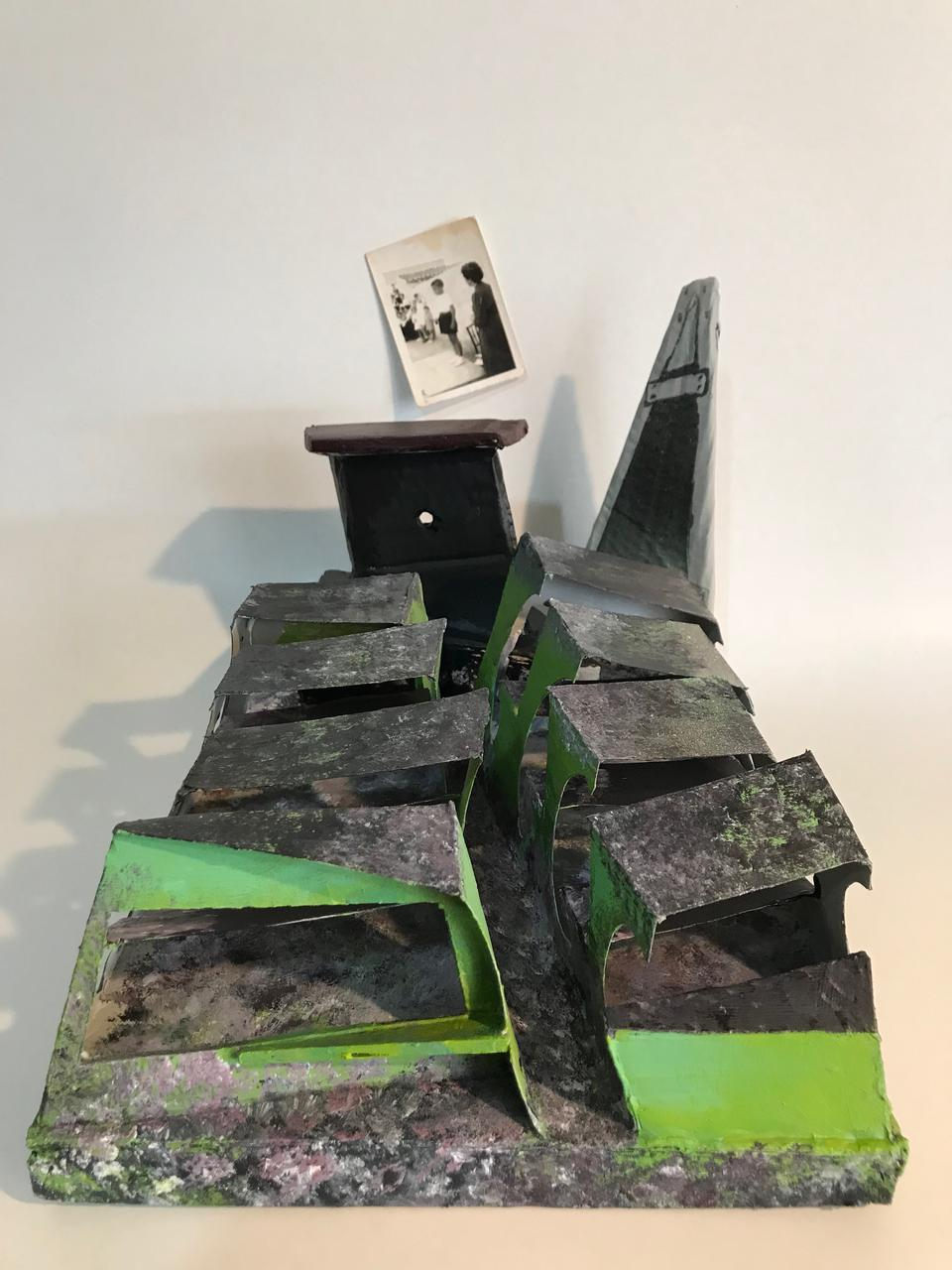 Irene Matsouki, Classroom, acrylics and oil on cardboard wood on plexiglass, 40 x 30 x 30 cm